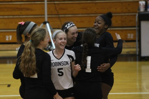 Volleyball: Lady Knights Advance to Regional Semis