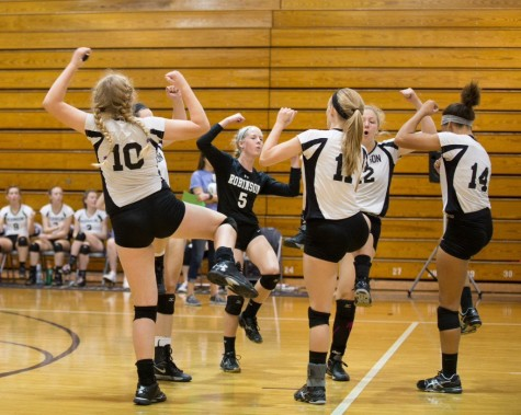 Volleyball: Robinson Clinches Berth in Regional Finals