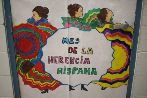 Spanish students bring Hispanic Heritage month to Robinson