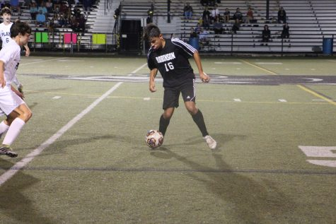Second half struggles lead to 3-1 loss for boys soccer