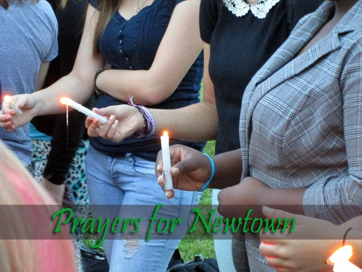 Campus+Life+Holds+Candelight+Prayer+for+Newtown