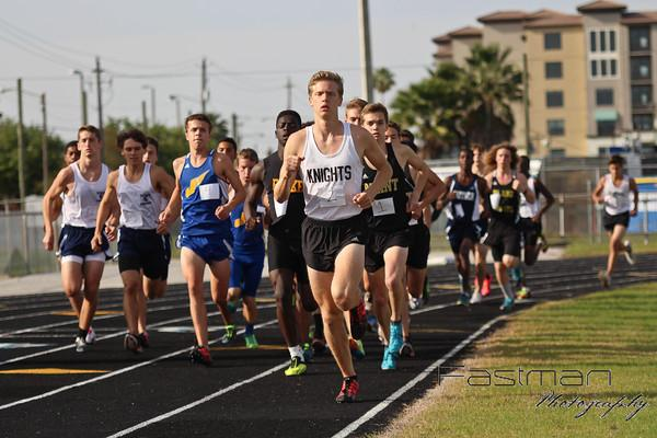 Leading+the+pack%2C+Jack+Rogers+runs+the+1600+meters+at+Wednesday%27s+meet.+Rogers+won+the+race+in+4%3A23.70