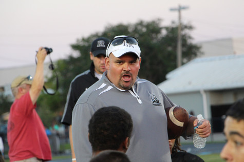 Taylor Named Finalist for Coach of the Week