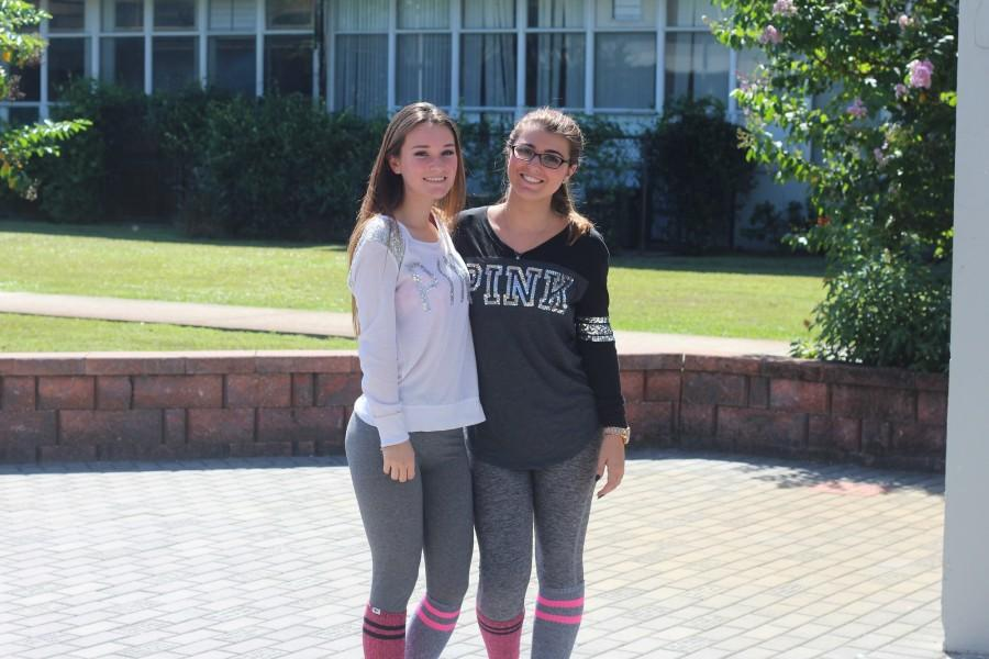 Emily Ray ('16) and Brooklyn Scoggins ('16) dress up on Twin Day.