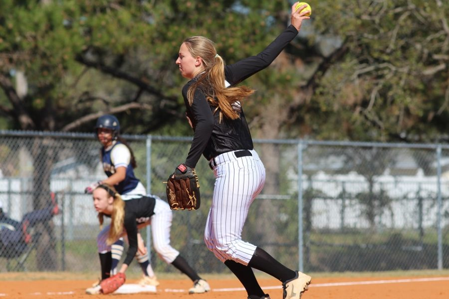 Cassidy Renninger ('18) allowed no earned runs on four hits in Thursday's district final.  Her two-run home run in the first inning gave Robinson a 2-0 lead.