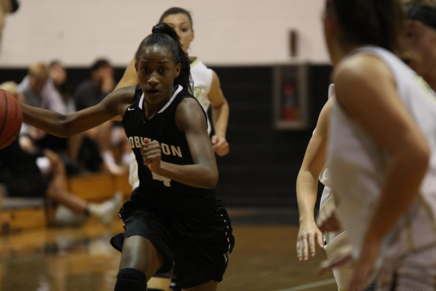 Kailah Henderson ('19) led the game in scoring with 19.