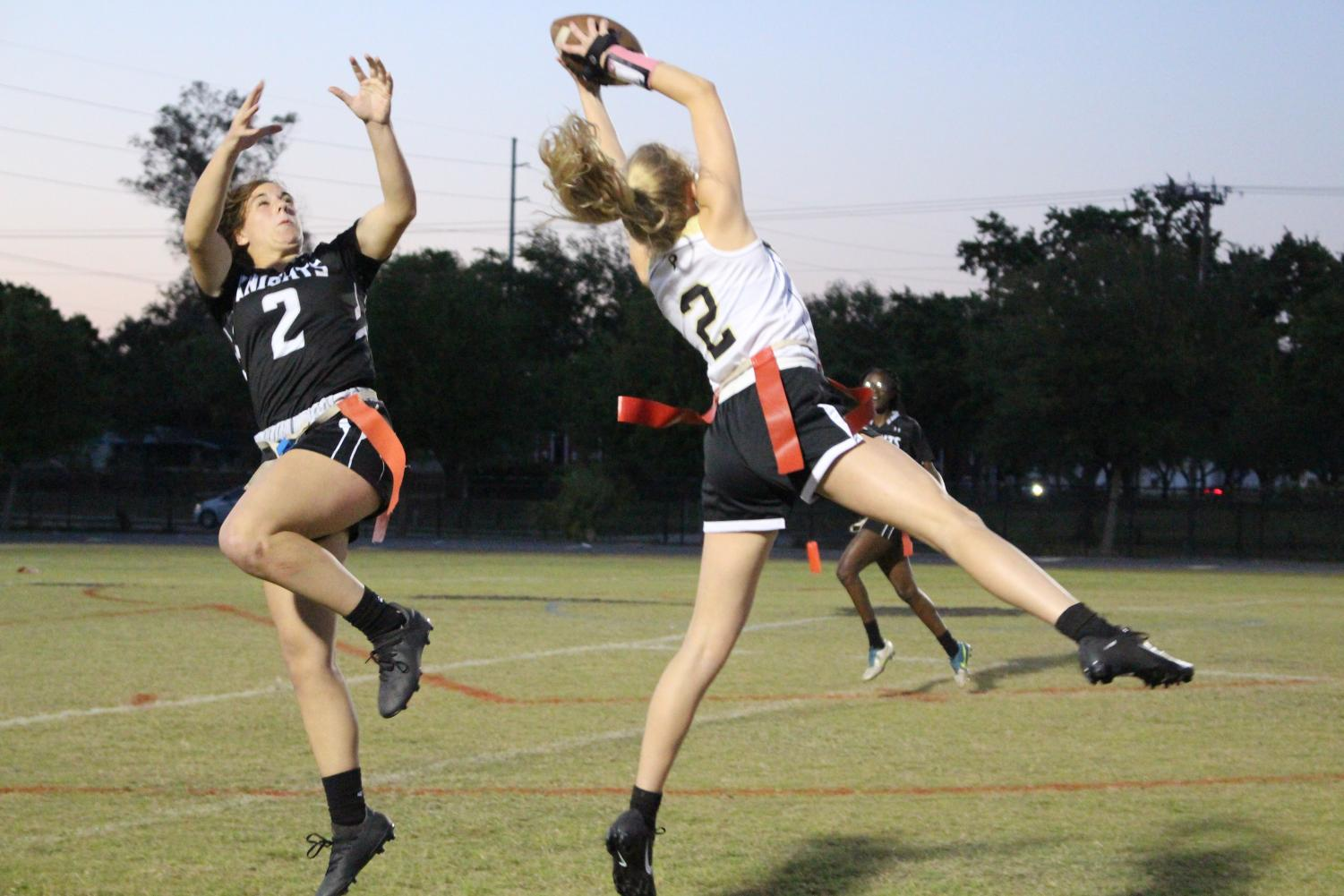 Receiver Emily Kemp ('20) attempts to make an interception