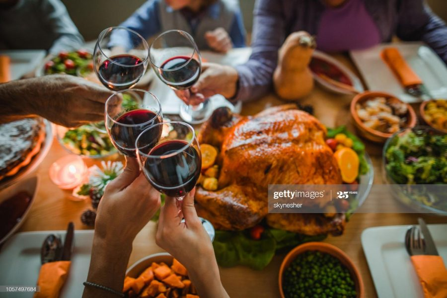 Traditional Thanksgiving Dinner (Credit: Getty Images)