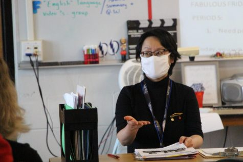 Nguyen explains the importance of good decision making to her students during her second period class.
